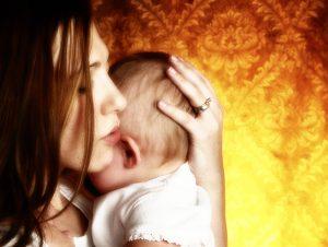 mom_baby_sing_600x700